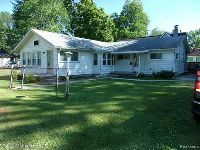 732 HOWARD ST, Algonac, MI 48001 - Photo 1