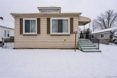 26550 HOLLYWOOD ST, Roseville, MI 48066 - Photo 1
