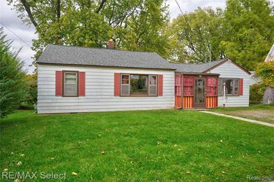 205 GROVE ST, Otisville, MI 48463 - Photo 2