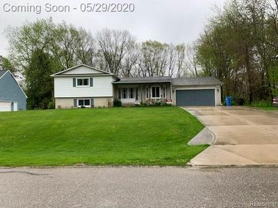 1061 LAKE RIDGE DR, Brighton, MI 48114 - Photo 1