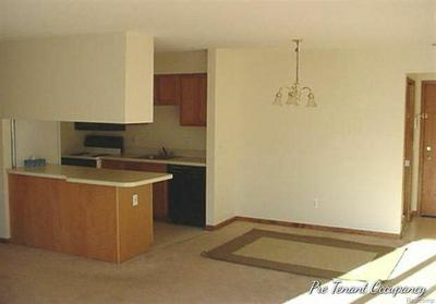 2568 EAGLES CIR UNIT 3, Ypsilanti, MI 48197 - Photo 2