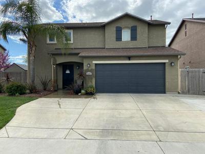 4145 W RIALTO CT, Visalia, CA 93277 - Photo 1