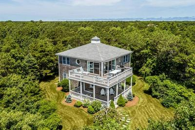 5 PLAINS HEAD LN, Edgartown, MA 02539 - Photo 1