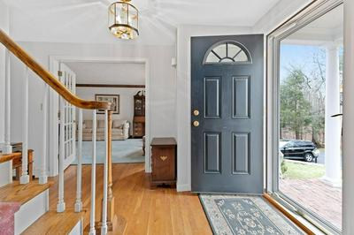 8 POPES LN, HINGHAM, MA 02043 - Photo 2