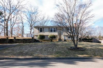 38 S BENNETT DR, JOHNSTON, RI 02919 - Photo 2