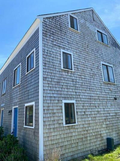 37 S CAMBRIDGE ST, Nantucket, MA 02554 - Photo 2