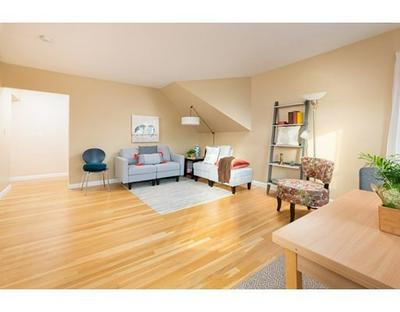 25 HIGHLAND AVE APT 5, Newton, MA 02460 - Photo 2