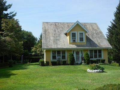 154 APREMONT HWY, HOLYOKE, MA 01040 - Photo 2