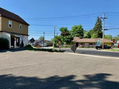 477 BRITTON ST, Chicopee, MA 01020 - Photo 2