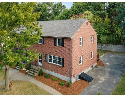 52 CHARLES RD # 52, Winchester, MA 01890 - Photo 2