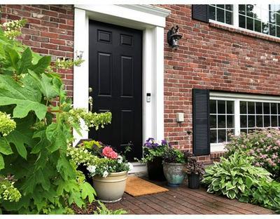 17 SQUIRE RD, Winchester, MA 01890 - Photo 2