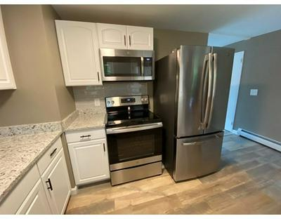 9 FAYETTE RD # 9, Bedford, MA 01730 - Photo 2