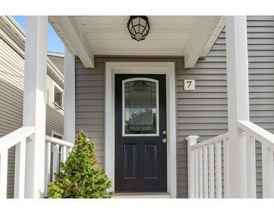 7 COMMONWEALTH TER # 2, Swampscott, MA 01907 - Photo 2