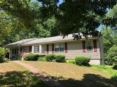 456 QUINAPOXET ST, Holden, MA 01522 - Photo 2