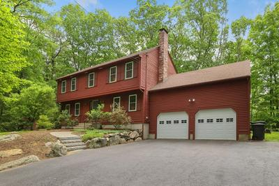 2 FISHER TER, Medway, MA 02053 - Photo 1