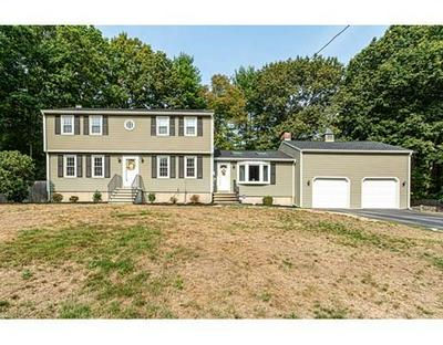 10 LEXINGTON RD, Dracut, MA 01826 - Photo 2