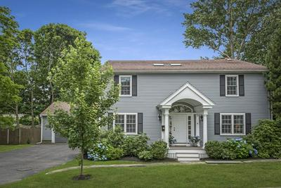 4 CARLTON RD, Marblehead, MA 01945 - Photo 2
