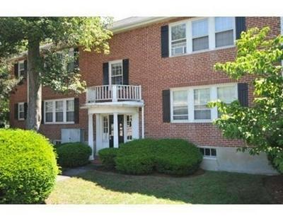35 HAMMOND POND PKWY APT 2, Newton, MA 02467 - Photo 2
