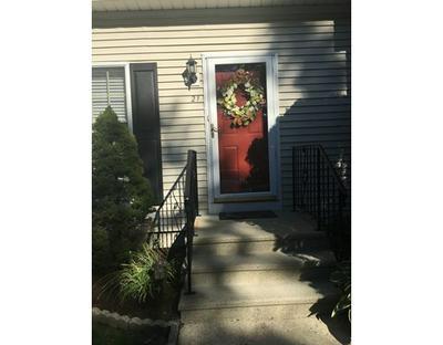 21 WOOD HOLLOW LN # 21, East Providence, RI 02916 - Photo 2