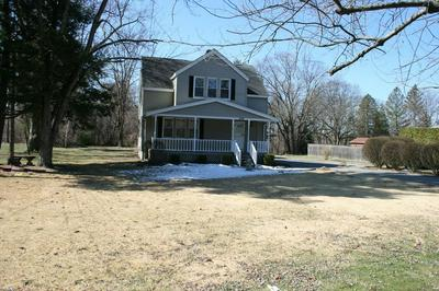 669 AMOSTOWN RD, WEST SPRINGFIELD, MA 01089 - Photo 2