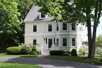 561 WASHINGTON ST, DUXBURY, MA 02332 - Photo 1