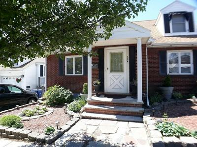 584 PARK AVE, Revere, MA 02151 - Photo 1