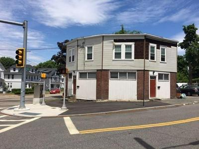 160 INDEPENDENCE AVE # B, Quincy, MA 02169 - Photo 2