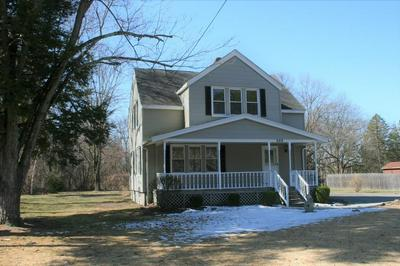 669 AMOSTOWN RD, WEST SPRINGFIELD, MA 01089 - Photo 1