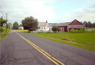138 N HATFIELD RD, Hatfield, MA 01038 - Photo 1