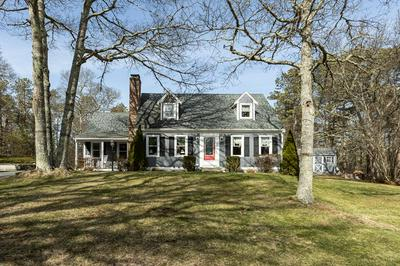 3 SADDLEBACK RD, MASHPEE, MA 02649 - Photo 1