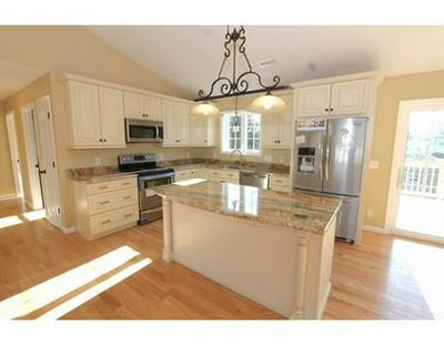 8 HAYNES ST, Sturbridge, MA 01566 - Photo 2