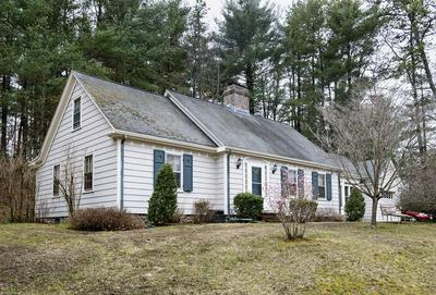 1 ROBIN HOOD LN, FRANKLIN, MA 02038 - Photo 1