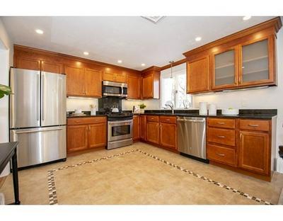 31 PINEWOOD RD, Wellesley, MA 02482 - Photo 2