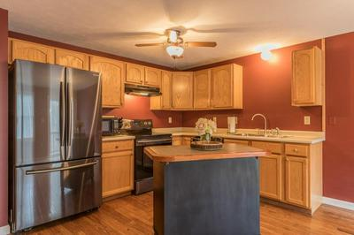 12 DAY MILL DR # 94, Templeton, MA 01468 - Photo 2