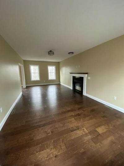 107 CROSS RD, HOLYOKE, MA 01040 - Photo 2