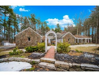 43 NOONHILL RD, Medfield, MA 02052 - Photo 2