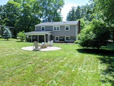 8 SOUTHGATE RD, Franklin, MA 02038 - Photo 2