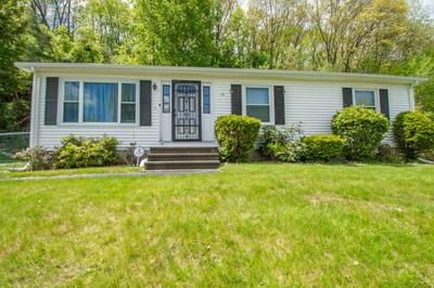 19 EVERGREEN DR, HOLYOKE, MA 01040 - Photo 2