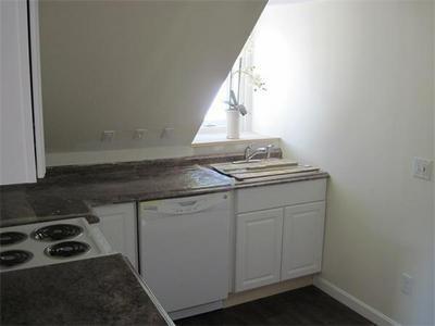 21 WHITEHALL RD # B, Amesbury, MA 01913 - Photo 2