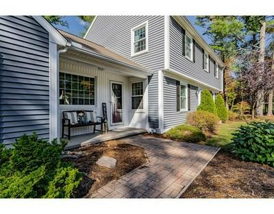 5 BLUEBERRY HILL RD, Wilbraham, MA 01095 - Photo 2