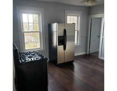 49 LINCOLN ST APT 3, Webster, MA 01570 - Photo 2