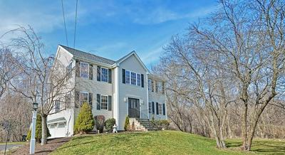 3 STEPHEN WAY, FRANKLIN, MA 02038 - Photo 2