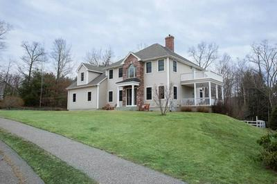 60 CLEARWATER CIR, LUDLOW, MA 01056 - Photo 2