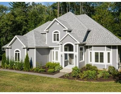 10 INDIAN PIPE DR, Hadley, MA 01035 - Photo 2