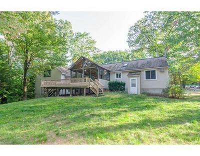 26 COUNTRY ACRES RD, Sandown, NH 03873 - Photo 2