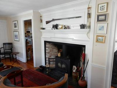 24 PEARL ST APT 2, Marblehead, MA 01945 - Photo 2