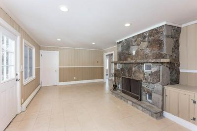 218 GRANDVIEW AVE, SOMERSET, MA 02726 - Photo 2