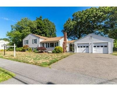 8 MORNINGSIDE DR, Danvers, MA 01923 - Photo 2