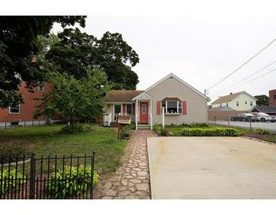 79 OAKLAND AVE, Pawtucket, RI 02861 - Photo 2
