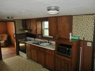 444 HENSHAW ST, Leicester, MA 01542 - Photo 2